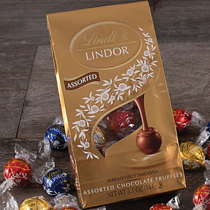 Lindt Lindor Chocolate Assortment: Diwali Gifts to New York