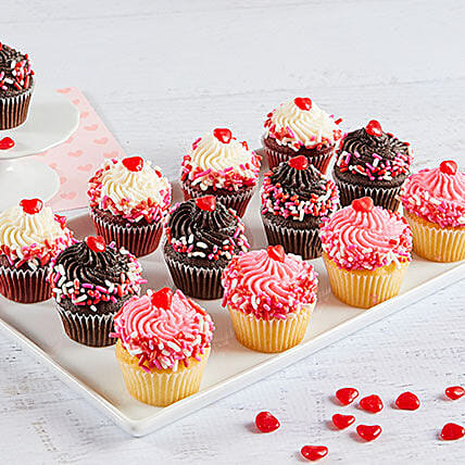 Mini Valentines Day Cupcakes: Send Valentines Day Gifts to USA