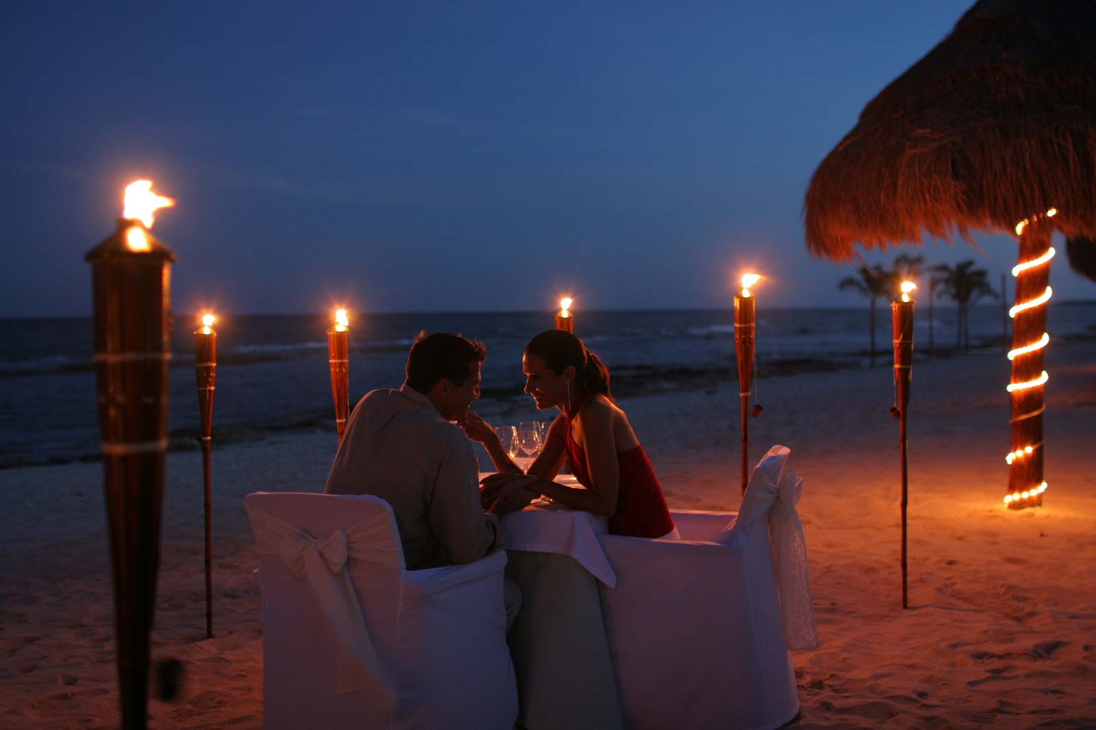 Romantic Valnetines Day date Ideas for Him
