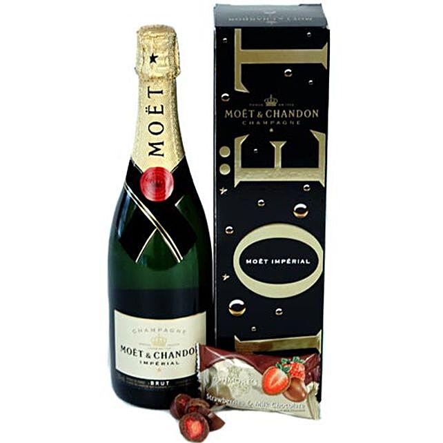 Classy Wine N Chocolates Hamper