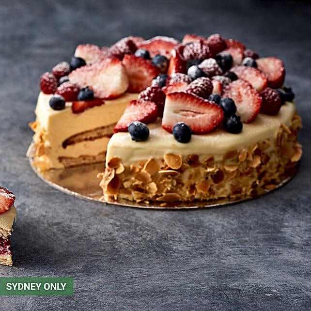 Refreshing Vanilla Fruit Cake:Cake Delivery in Australia