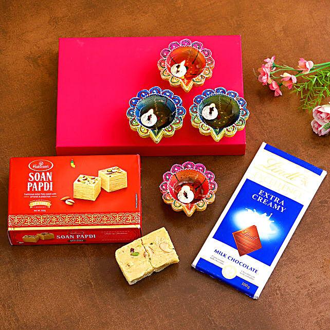 Designer Diwali Diyas With Lindt Chocolate And Soan Papdi:Send Diwali Gifts to Australia