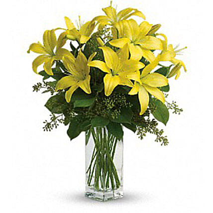 Charming Yellow:Anniversary Flower Delivery in Canada