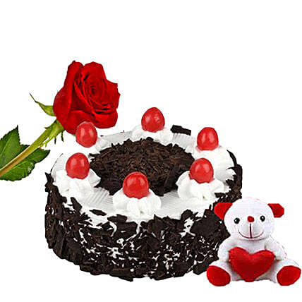Sweet Valentine Surprise:Valentines Day Cake Delivery in Canada