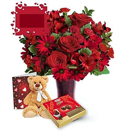 Cuddly Love Bear With Flowers Gift Set