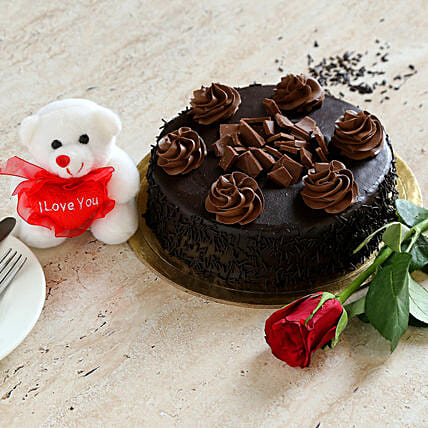 Chocolate Cake Combo:Roses Delivery in Canada