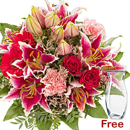 Bouquet Of Pinks And Reds:Send Flower Bouquet to Germany