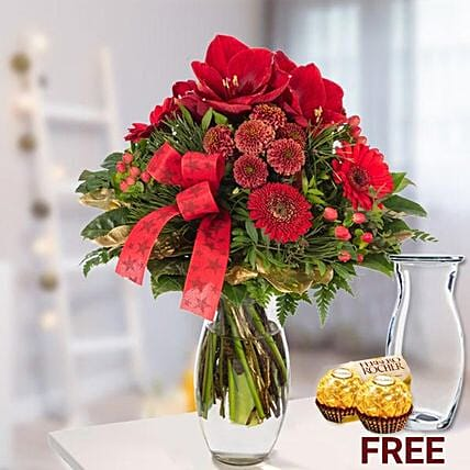 Cheerful Christmas Flowers And Rochers