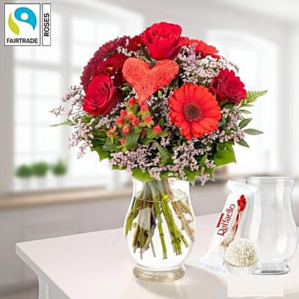 Flower Bouquet Herzensgruss With Vase Und Ferrero Raffaello:Send Mothers Day Gifts to Germany