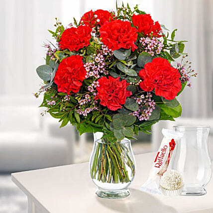 Flower Bouquet Passion With Vase And Ferrero Raffaello:Mothers Day Gifts Germany