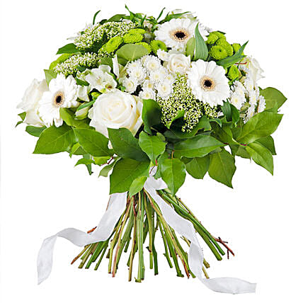 Simply White:Bouquet Delivery in Germany