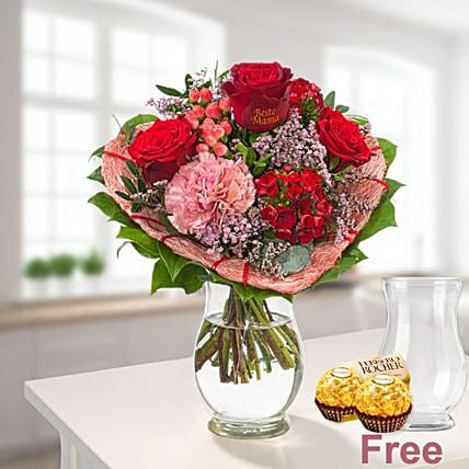 Flower Bouquet Herzenswarme With Vase And 2 Ferrero Rocher