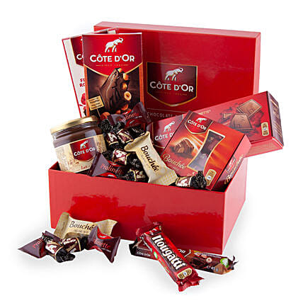 Cote Dor Chocolate Lover Box In Greece Gift Cote Dor Chocolate Lover Box Ferns N Petals