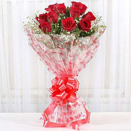 12 Velvety Red Roses Bouquet