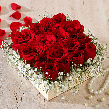 wooden flowers arrangement online:Red Roses