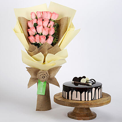 Multi Layered Pink Roses Bouquet and Choco Cake Online
