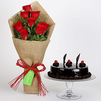 Rose Jute Bouquet with Cake Online