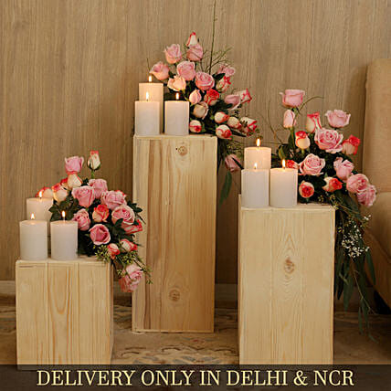 Aqua Roses And Ema Roses With Wooden Pillars