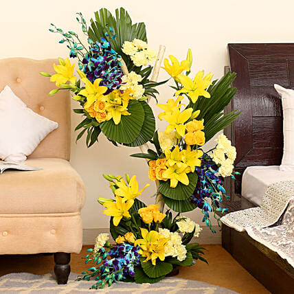 Online Bright Flowers Bouquet Arrangement