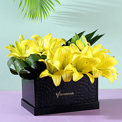 flower arrangement box for her:Order Lilies