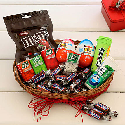 Chocolates & mouth freshners Basket Online