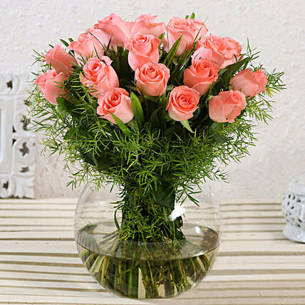 Beautiful Pink Roses Glass Vase Arrangement:Gifts for Mother