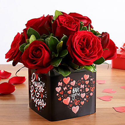 Beautiful Red Roses Bunch In Love You Sticker Vase:Valentines Day Flowers