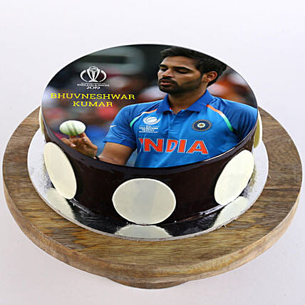 customized cake for cricket lover