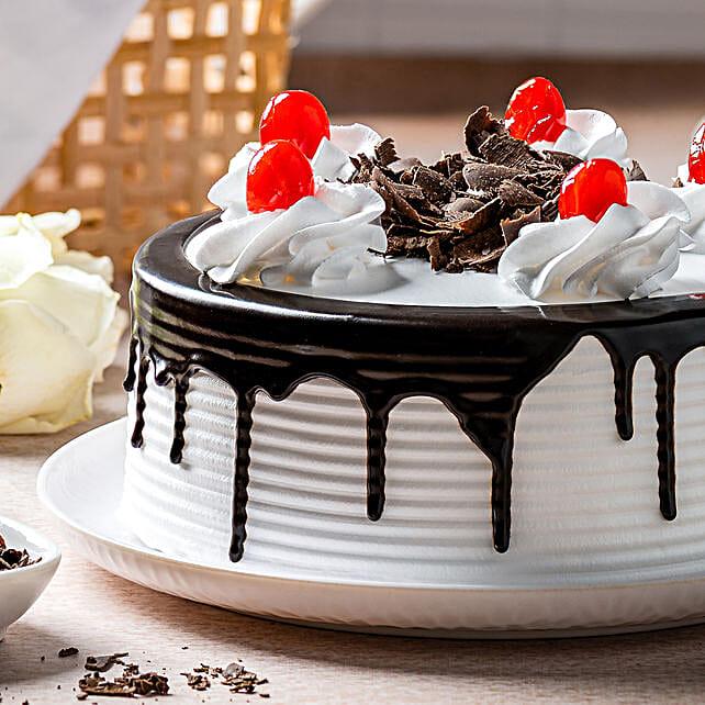Black Forest Cake Half kg Eggless