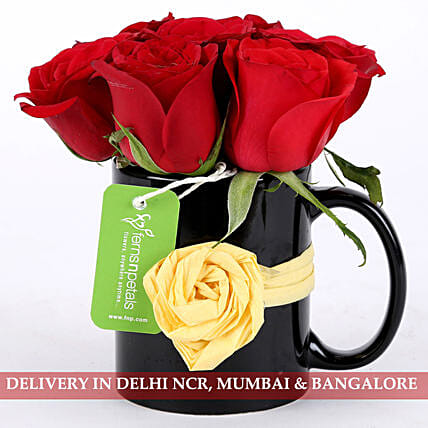 roses arrangement in attractive mug:Red Flowers