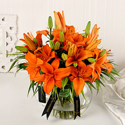 Online Orange Lilies In Fishbowl Vase