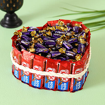 Kitkat Choclairs Heart Pie:Candies