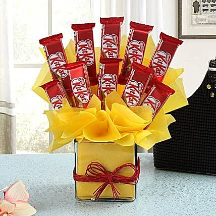 Kitkat Chocolate arrangement:Valentine Gifts
