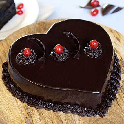 Celebration with Truffle cake:Heart Shaped Cakes for Birthday