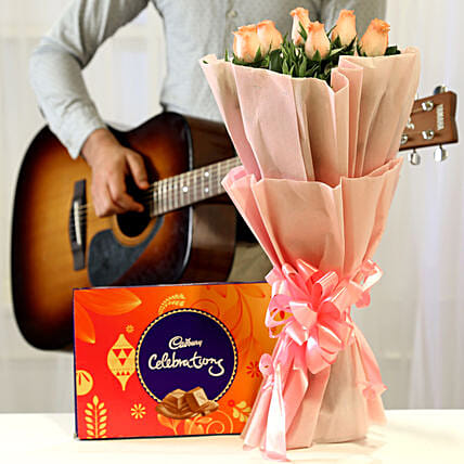 Online Pink Roses And Chocolates With Romantic Tunes Combo:Birthday Flowers And Chocolates