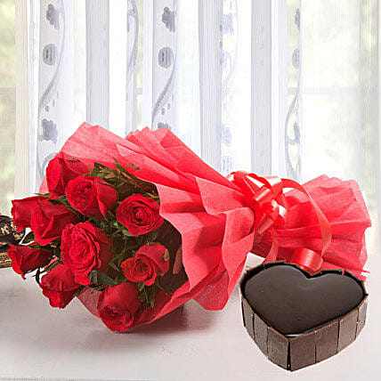 Classic Hamper - Bouquet of 10 red roses and 1Kg of heart shaped  cake.