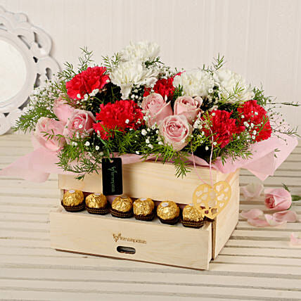 Online Roses And Carnations Basket:Ferrero Chocolate