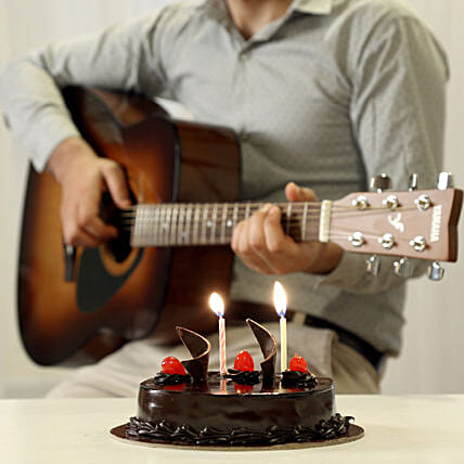 Online  Cake And Romantic Tunes Combo:Gifts N Guitarist Service