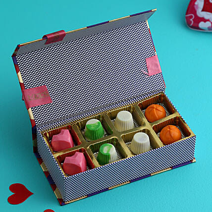 Buy Cute Valentine Chocolate BoxCombo