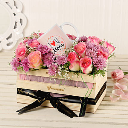 Online Roses Arrangement With Printed Mug:Mothers Day Premium Gifts