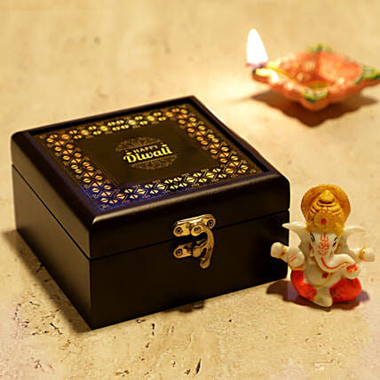 Online Lord Ganesha With Personalised Box
