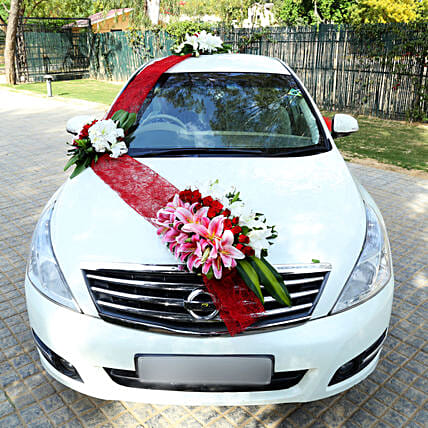 Flower decoration service for car