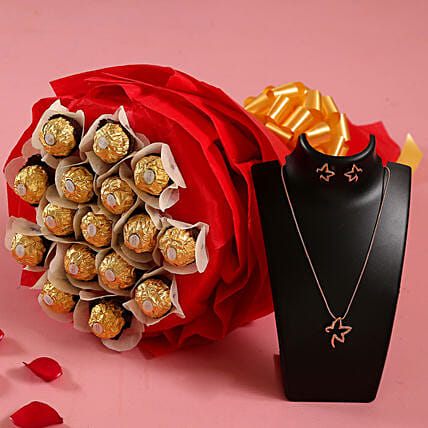 Ferrero Rocher Bouquet n Necklace for Wife