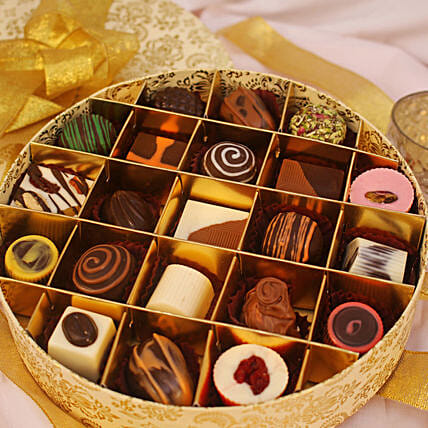 Festive Theme Assorted Chocolate Box- 21 Pcs