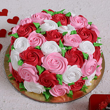 Full Of Roses Designer Cake:Buy Valentine's Week gifts