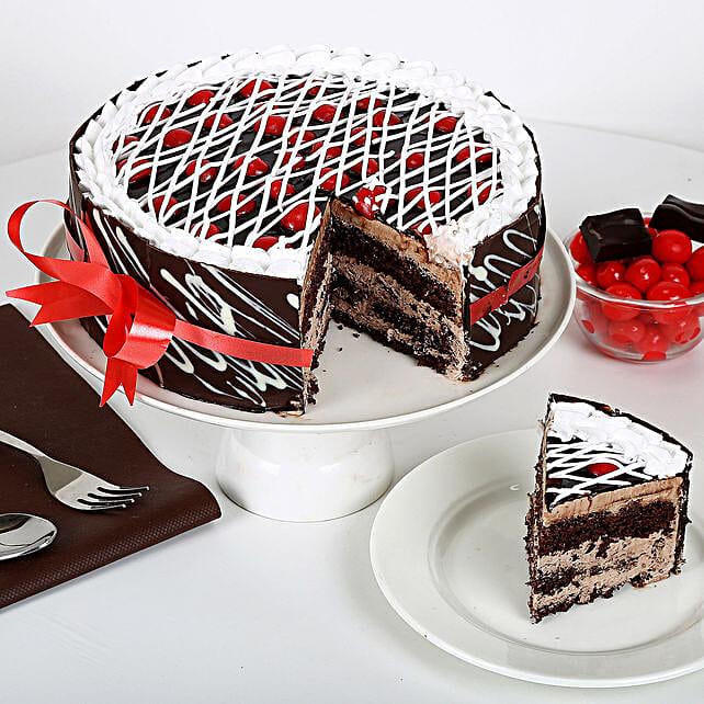 Gift of Enchantment Cake 1kg Eggless