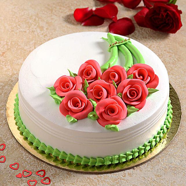 Gracious Roses Fondant Pineapple Cake