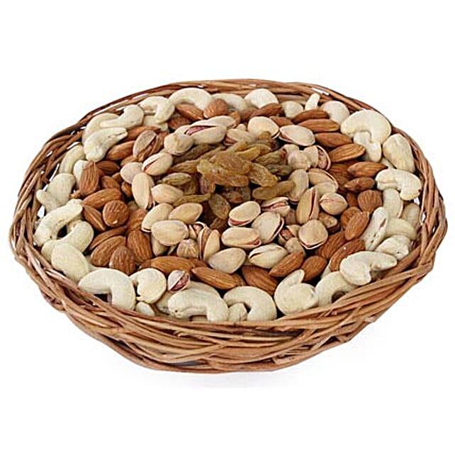 Half kg Dry fruits Baske-One round basket,500gm Dry Fruits including Almonds,Pista,Cashews,Raisins