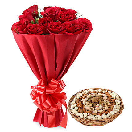 Red roses bunch with mix dry fruits