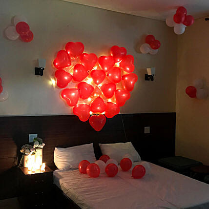 Balloon Room Decoration Online:Experiential Birthday Gifts